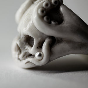 OCTOPUS RING - WHITE