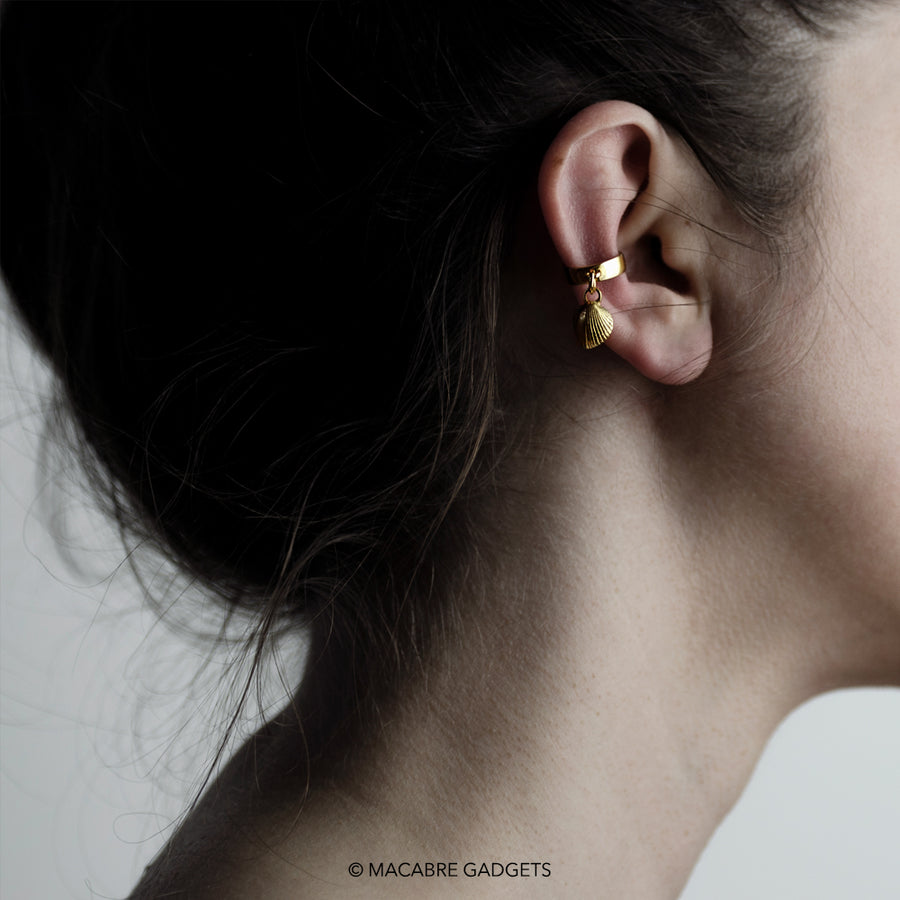 SEASHELL EAR CUFF - GOLD