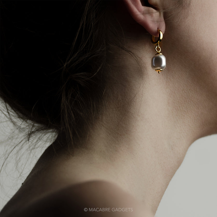 BAROQUE PEARL EARRING - GOLD