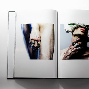 MACABRE GADGETS 'SIGHT' BOOK