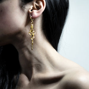 GOLD ARROW EARRING