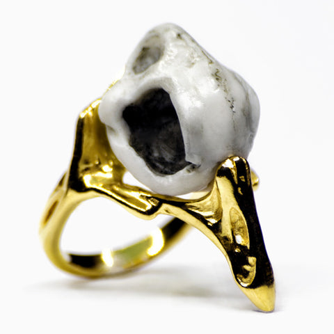 GOLDEN RAVEN RING