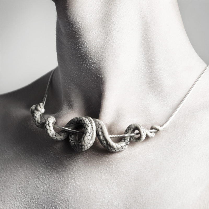 SERPENT NECKLACE - WHITE