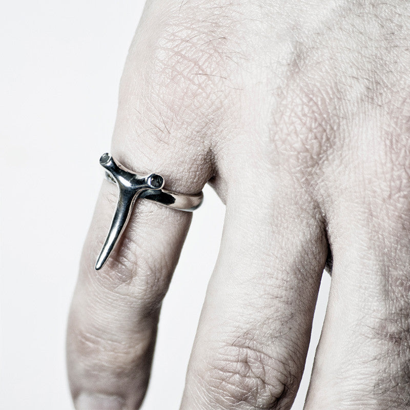 THORN RING