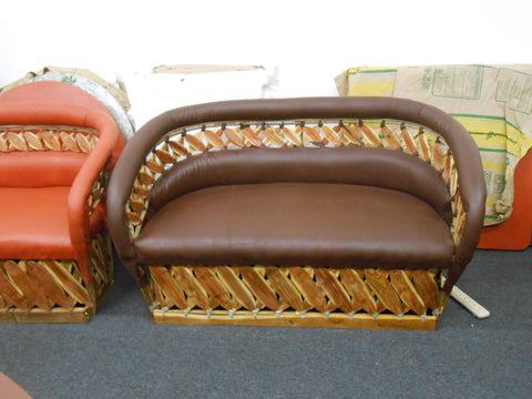 Love Seat, Estaca Collection