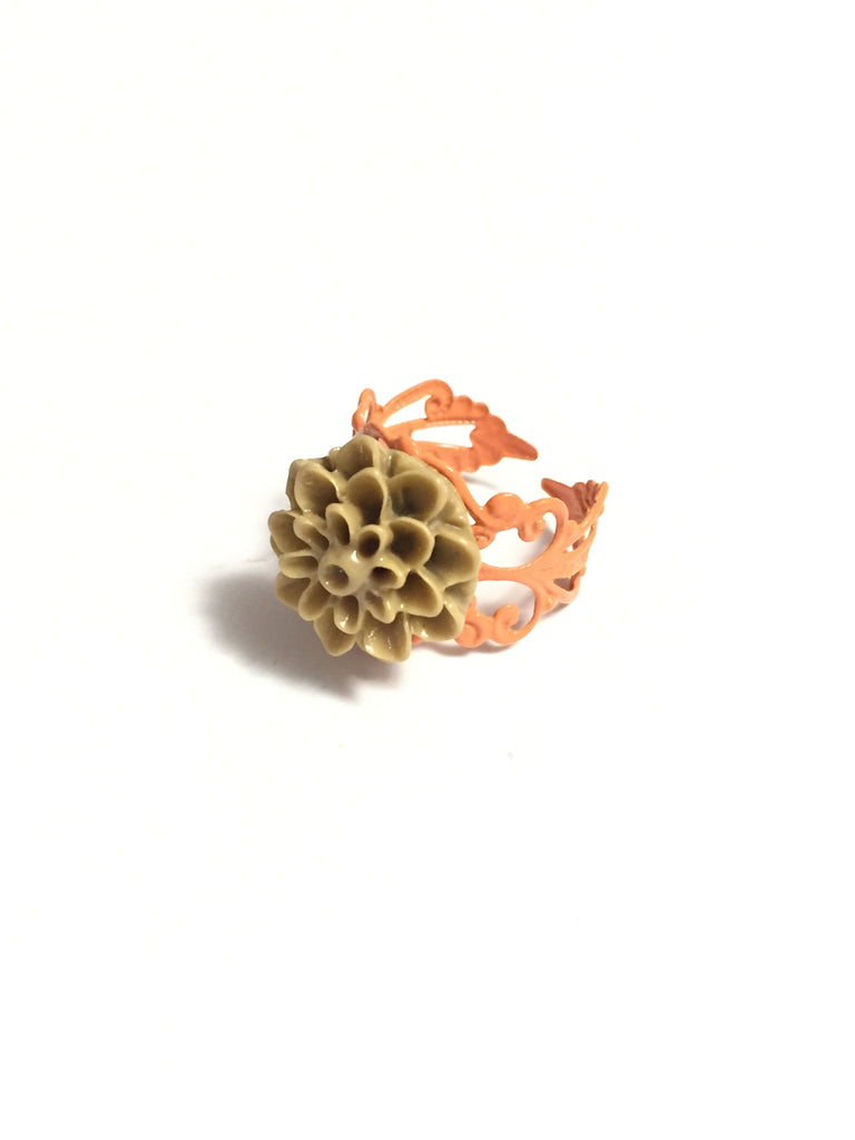 Caramel Chrysanthemum Ring