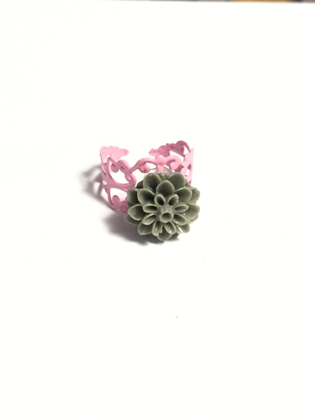 Gray Chrysanthemum Ring