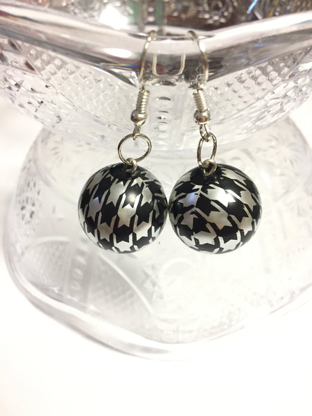 Houndstooth Bead Earrings