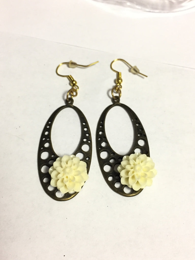 White Chrysanthemum Earrings