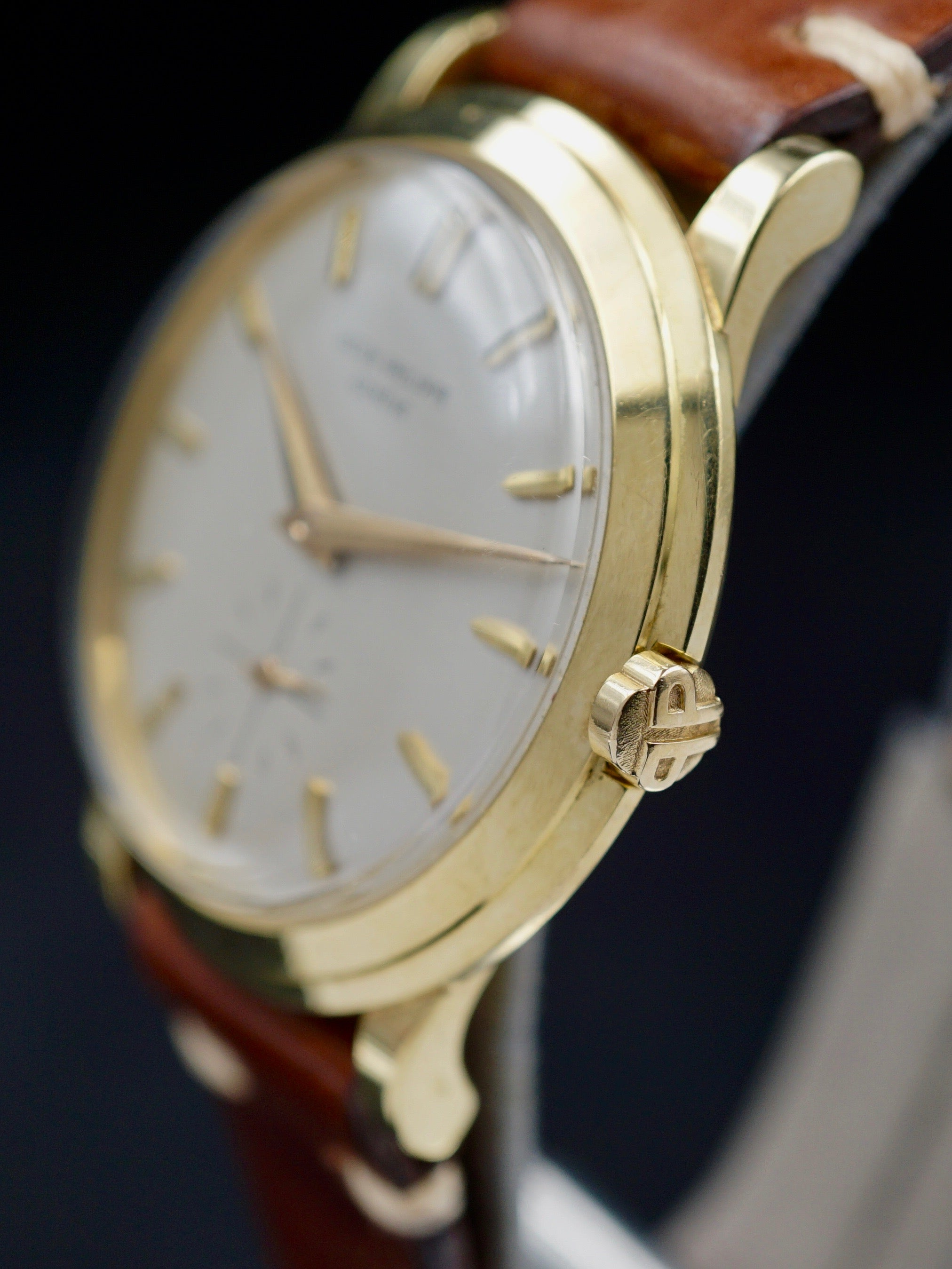 1955 Patek Philippe Ref. 2552 18k Yellow Gold