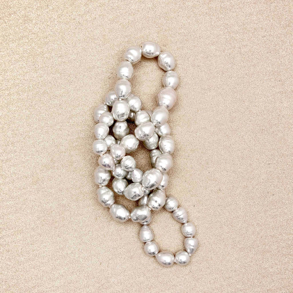 Pearl Necklace in White