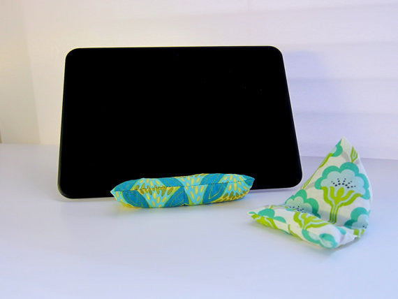 Phone & Tablet Pillow #301 PDF