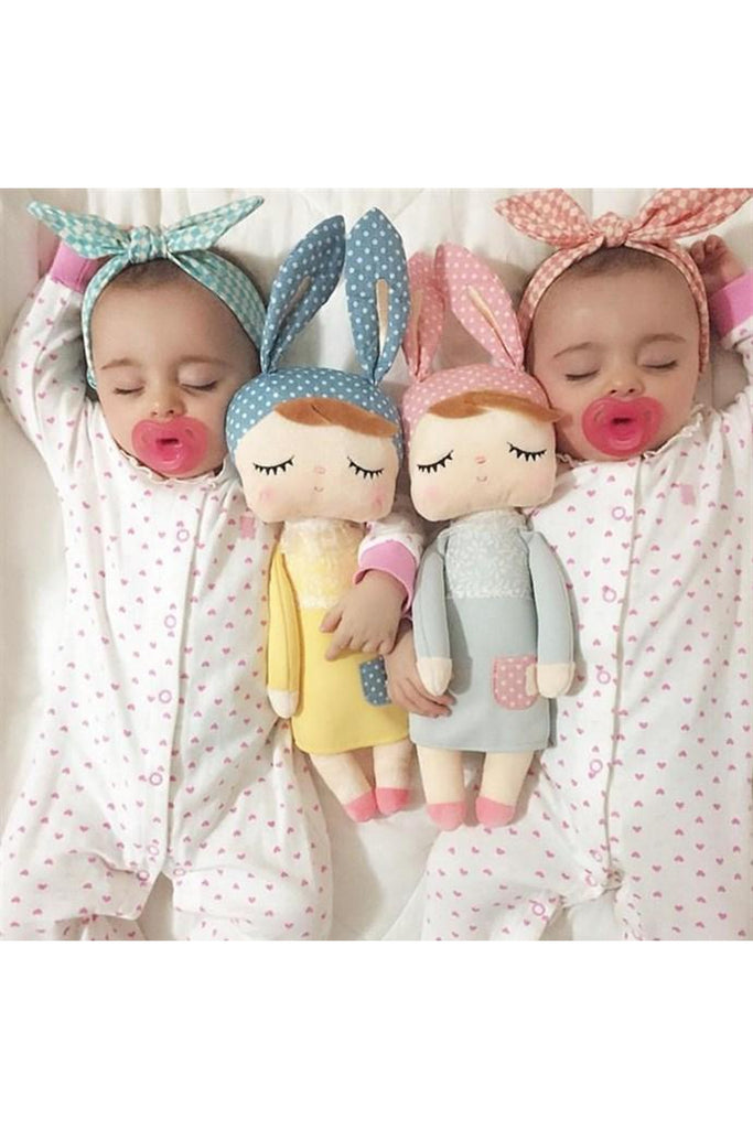Sleeping Dolls