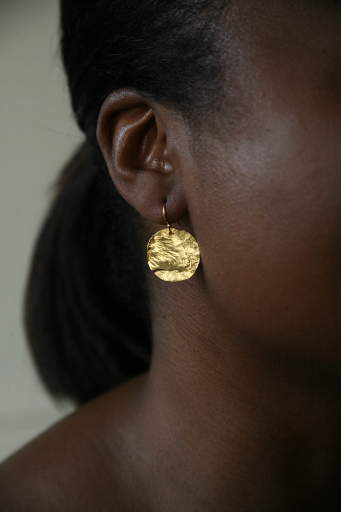 Beginning of Night Textured Round Earring