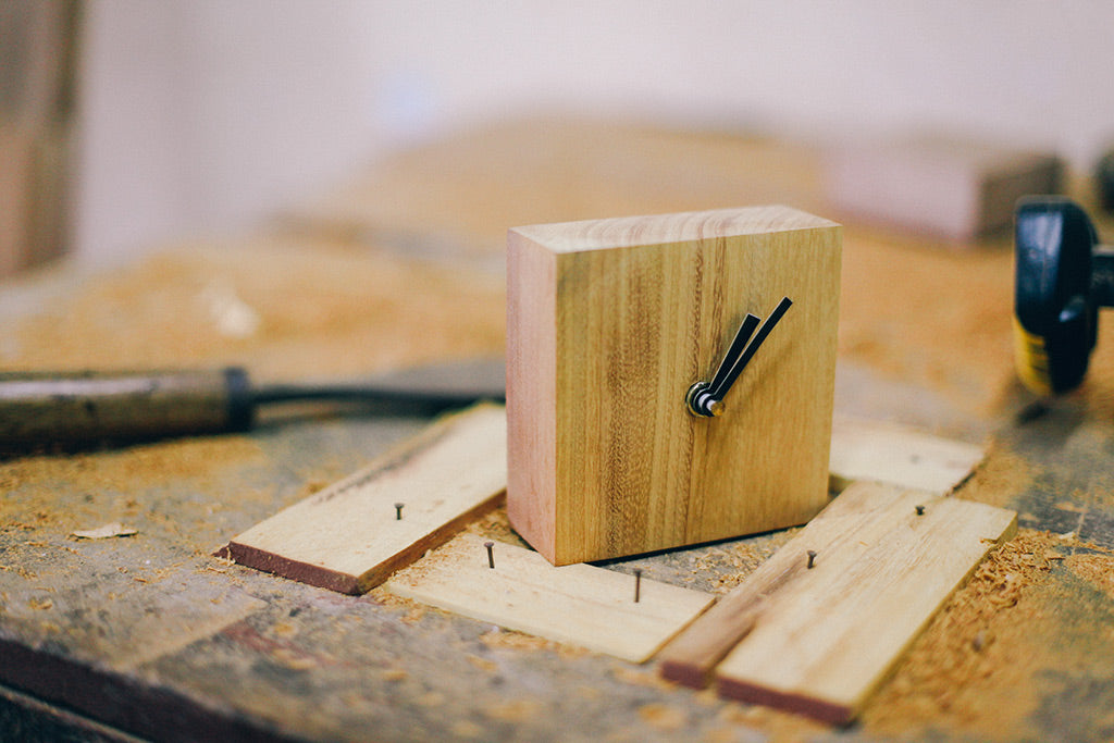 Life goes on - Time series - Desk Clock