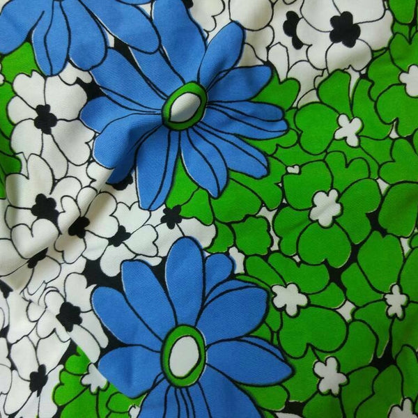blue and green daisies