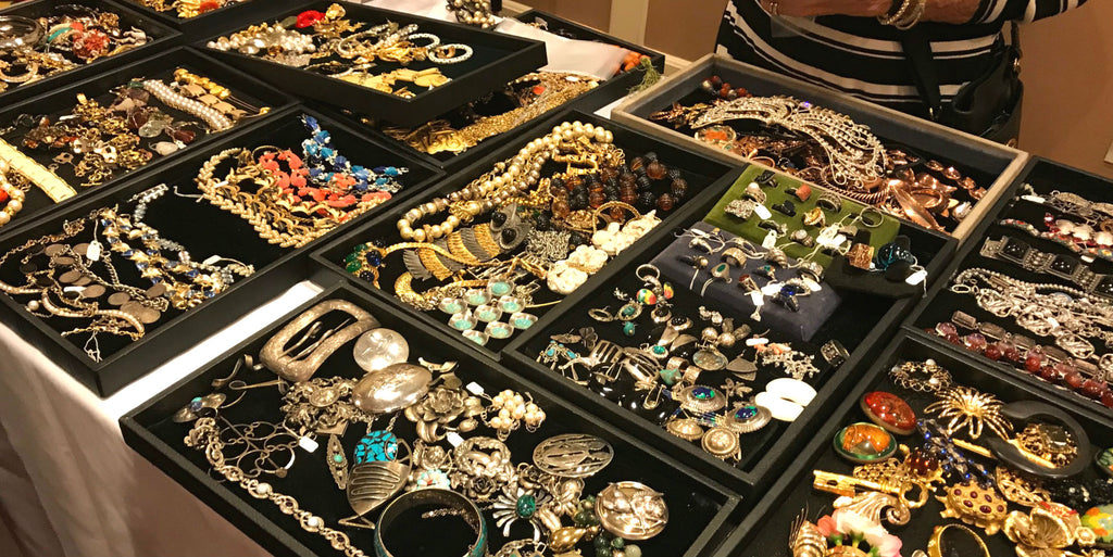 SUMARIS Visits the 2017 Costume Jewelry Collectors International Convention