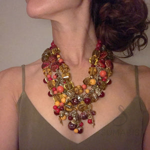 STATEMENT NECKLACE ACORNACOPIA