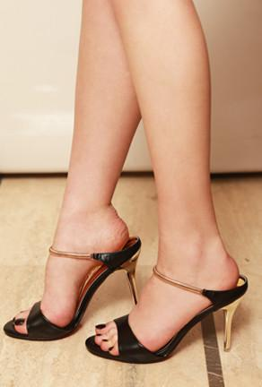 MATRIX - SEXY MULE PUMPS