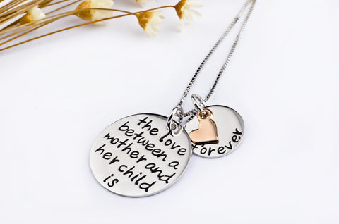 8252 sterling silver jewelry European and American letters peach heart round pendant Christmas necklace factory direct a generation of hair - Selenekiss