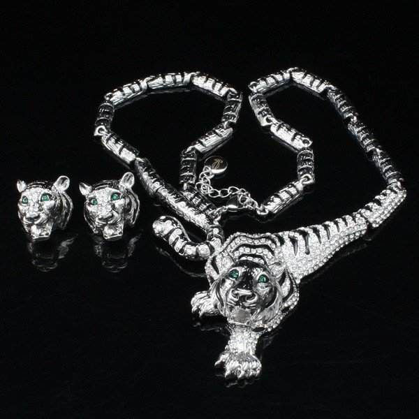 Clear Crystal Tiger Necklace And Earring Set - Belle Valoure - 2