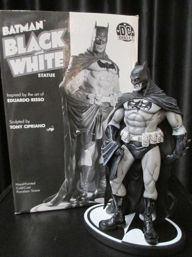DC Direct Batman Black and White Statue 2005 (1182/7000)