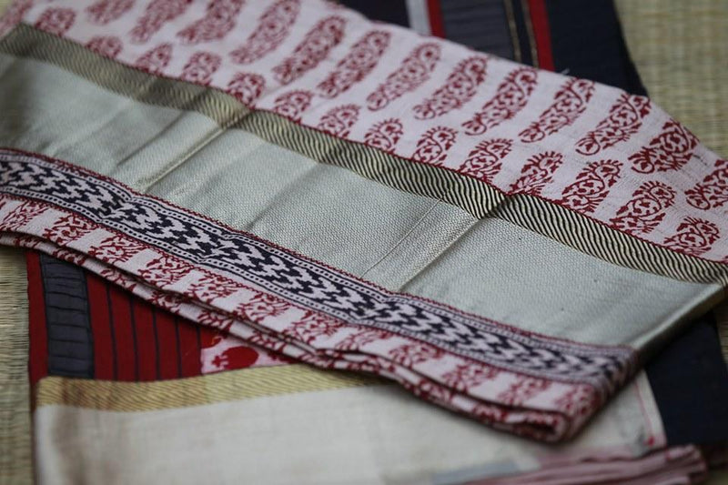 Colours of Maheshwar - Blood Red and Beige