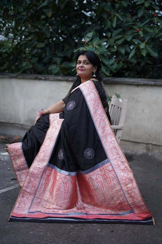 The Nurjehan Saree - Black/Peach/Grey