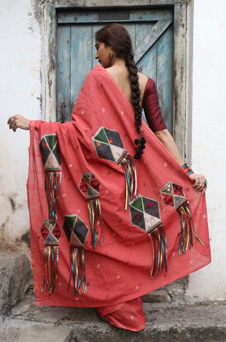 The Terracotta Red QoH Kandeel Saree (Handloom Cotton)