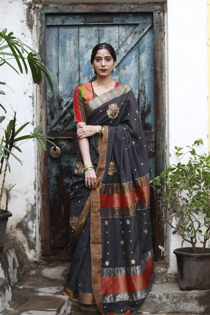 The Metallic Collection – Gandaberunda Saree - Black