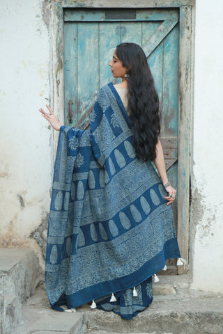 Indigo Blue White Amala Saree