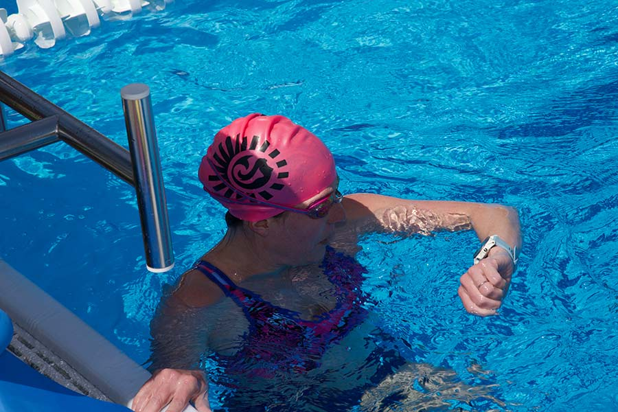 60 Thoughts Every Triathlete Has While Swimming