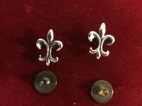Conchos: Pair of Sterling Fleur de Ley flush mount post and screw