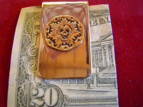 Money Clip: Skull on brass disc