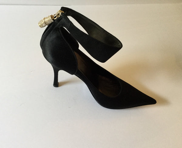 Gucci Size 7.5 Black Satin Pointed Toe Pump w/ Ankle Strap