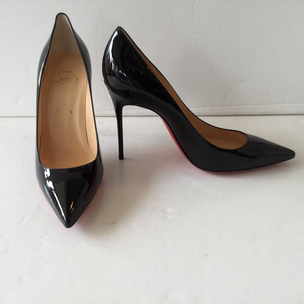 Christian Louboutin Size 40 Black Patent Leather Decollete 554