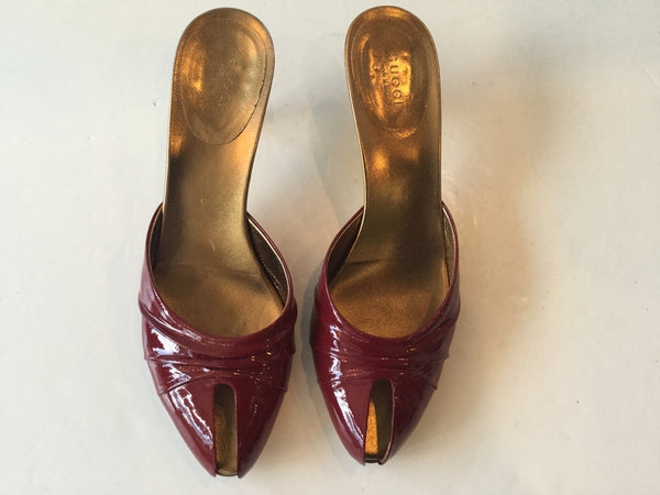 Gucci Size 8.5 Red & Gold Peep Toe Sandal w/ Kitten Heel