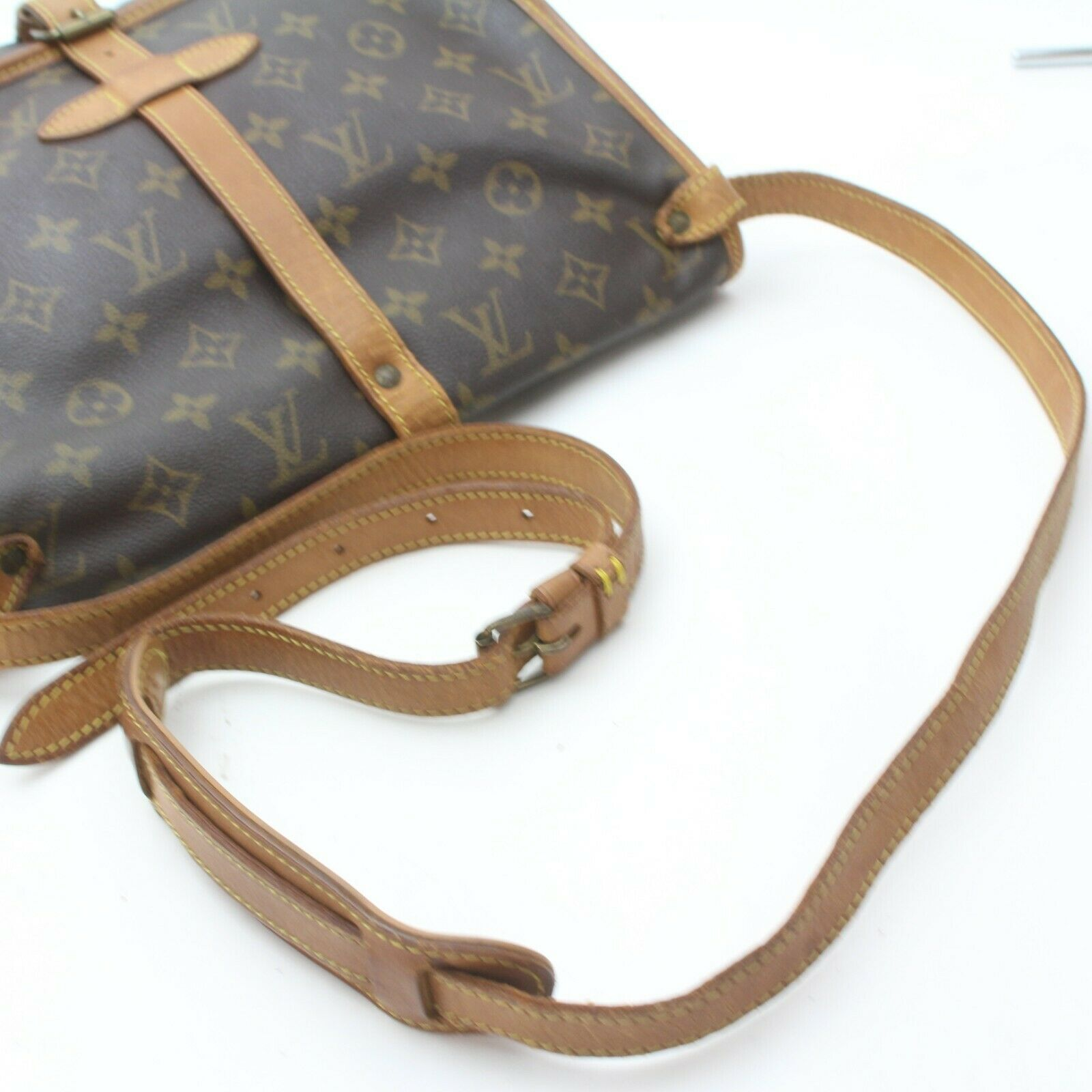 Louis Vuitton Saumur 30 M42256 Brown Monogram Shoulder Bag 11524