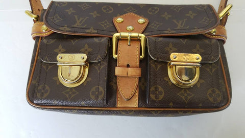 12520c29912 Louis Vuitton Hudson PM Brown Monogram Shoulder Bag 10879 – eModaOutlet
