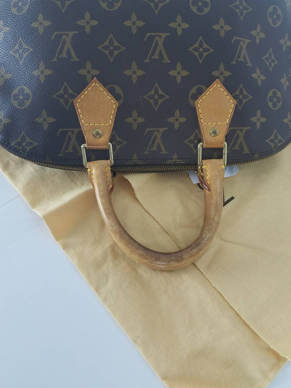 Louis Vuitton Alma PM M51130 Monogram Handbag 10795 - eModaOutlet