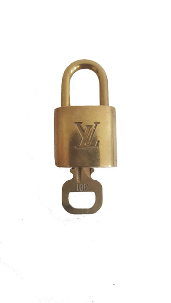 Louis Vuitton Brass Padlock & Key 10482 - eModaOutlet