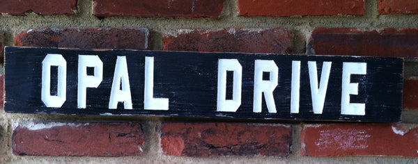 Distressed painted cedar street sign with block font -front2