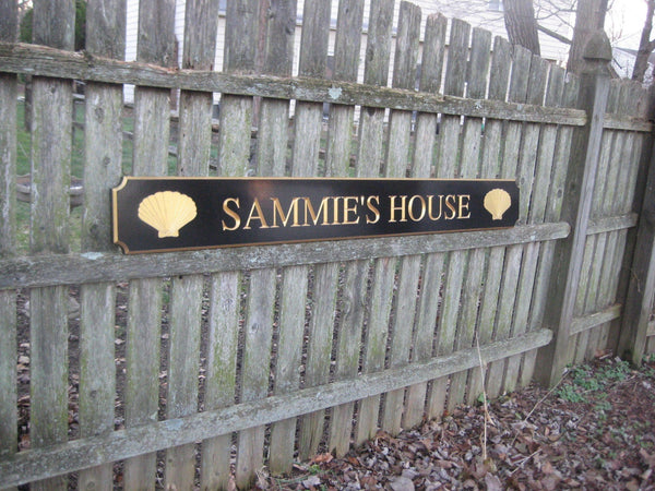 Sammies house quarterboard with shells -iso2