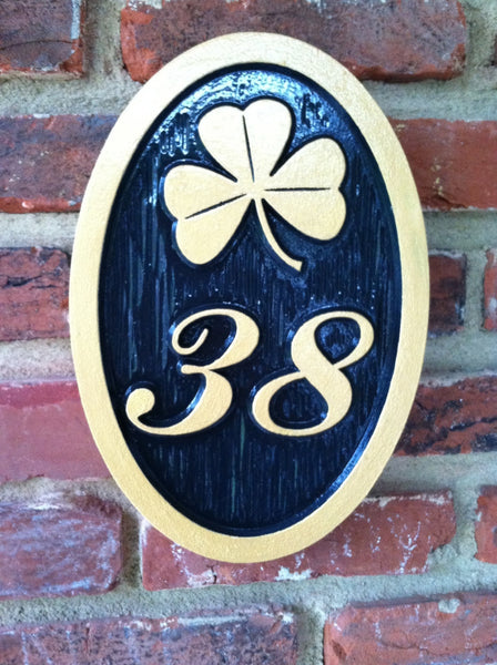 2 digit easy to read house number sign with shamrock