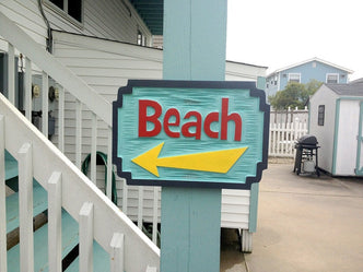 Carved Beach sign with directional arrow (S9) - The Carving Company