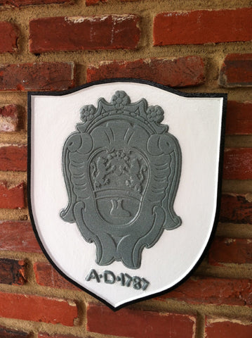 Family crest coat of arms sign with date