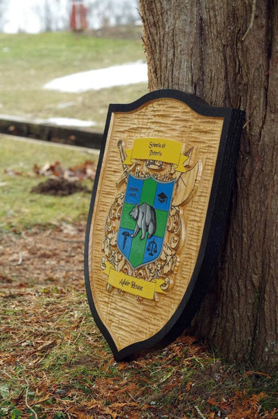 red oak family crest sign