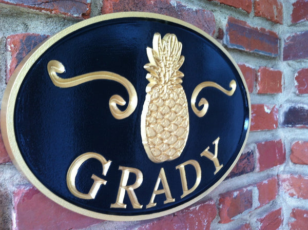 Oval last name sign with welcome pineapple and scrolls -iso