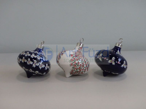 Curvy Retro Holiday Ornament (3 Designs) ~ 3 x 3