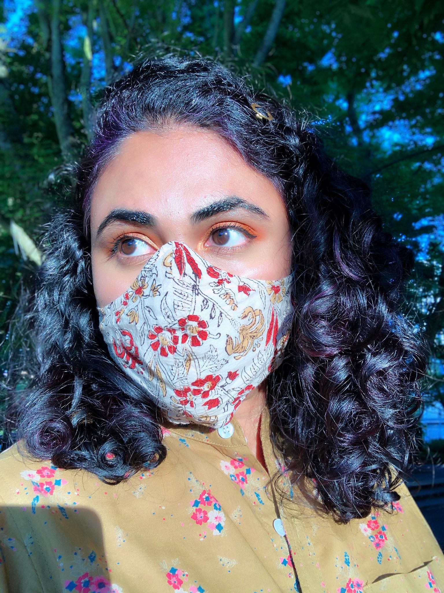 Face Mask with Filter Pocket - Hand Block Printed Fabric - Off White and Red